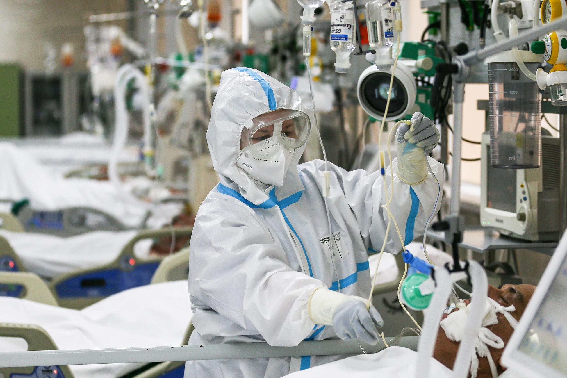 В России впервые с июля выявили больше 25 тысяч инфицированных COVID-19 за сутки
