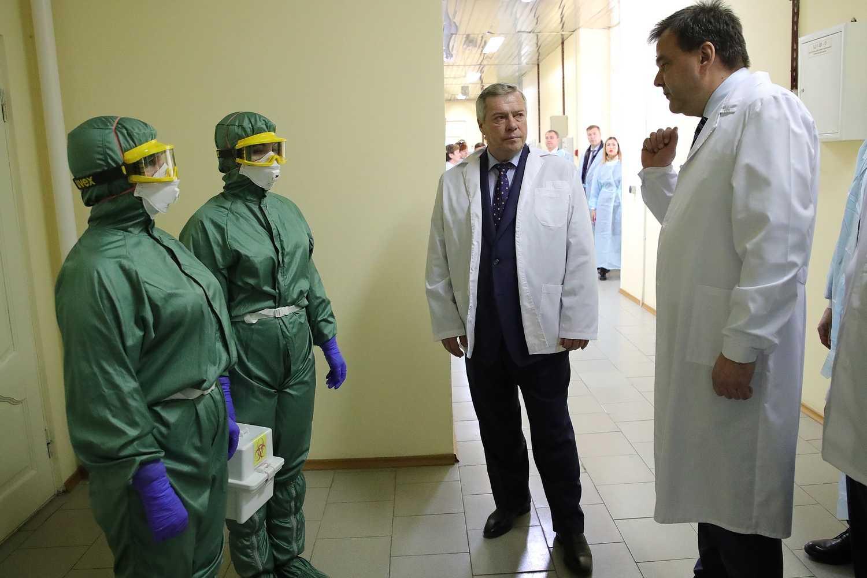 В связи с ухудшением эпидситуации регионы РФ начинают ужесточать карантинные меры