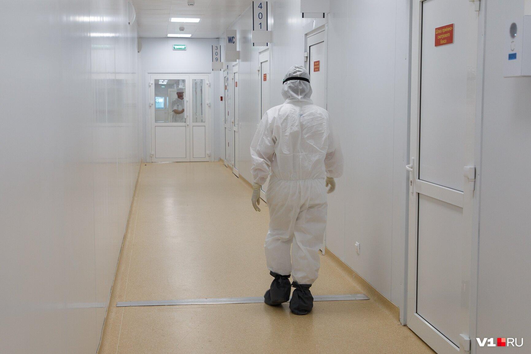 Суточное число смертей от COVID-19 в России продолжает расти. Установлен новый антирекорд